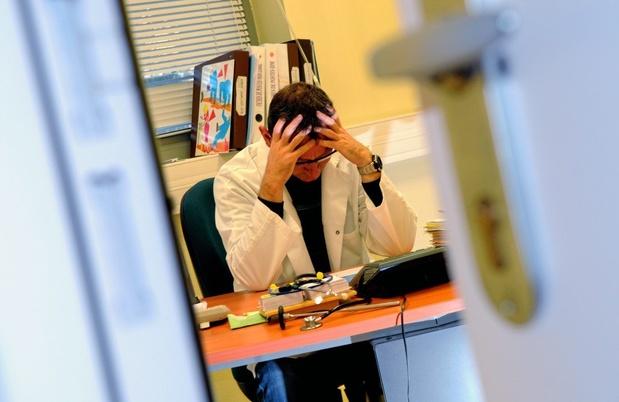 La charge de travail des généralistes baisse, hors maisons de repos