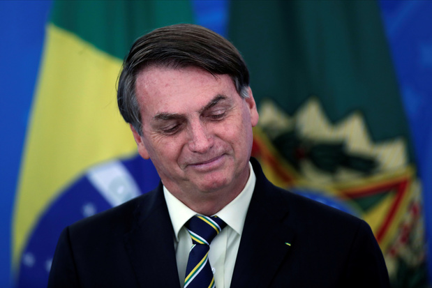 Twitter supprime deux tweets de Bolsonaro remettant en cause le confinement