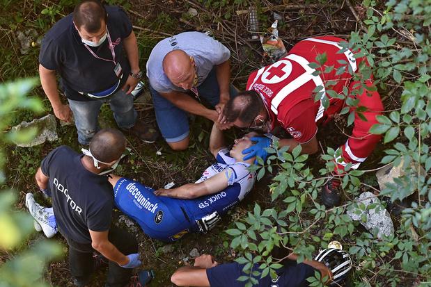 """Evenepoel après l'agitation autour de sa chute: """"j'ai pleuré dans les bras de mon père"""""""
