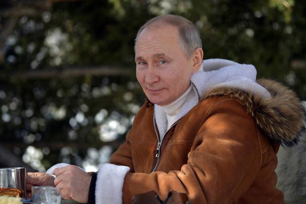 Vaccin russe: Poutine balaie les critiques européennes et va se faire vacciner
