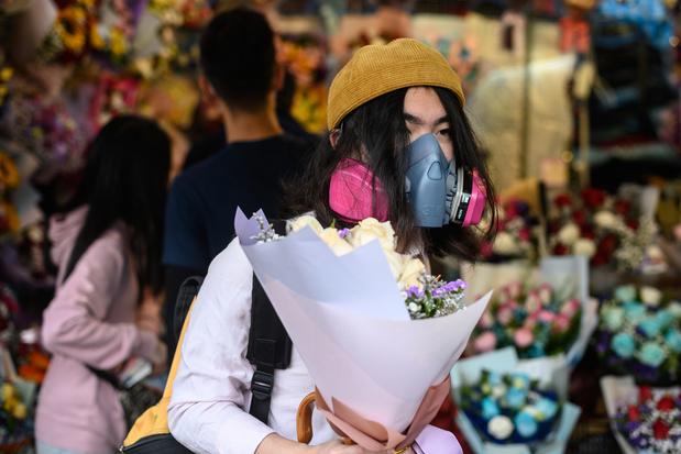 Pour la Saint-Valentin, à Hong Kong les masques remplacent les fleurs