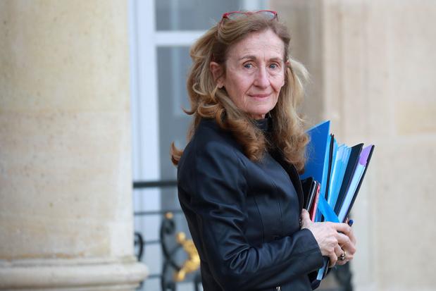 Critique contre l'islam en France : une adolescente déscolarisée et une ministre sur la sellette