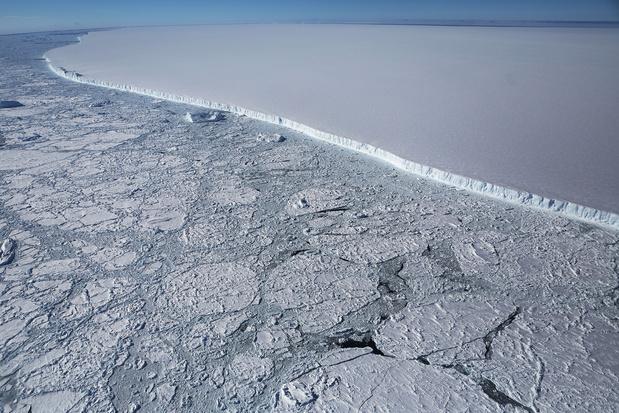 Le plus grand iceberg du monde est sur le point de dériver en pleine mer