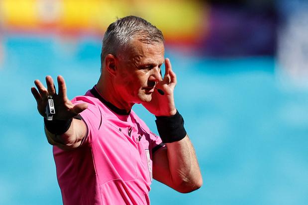Nederlander Björn Kuipers moet EK-finale in goede banen leiden
