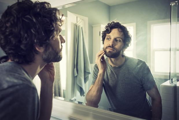 Faut-il vraiment raser barbe ou moustache en période d'épidémie de coronavirus?