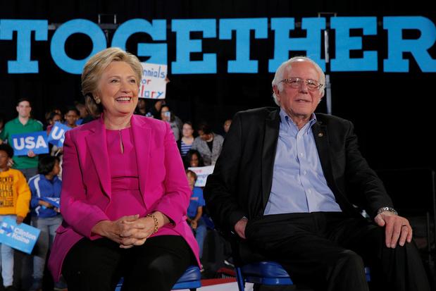 """Personne ne l'aime"": Hillary Clinton s'attaque à Bernie Sanders"