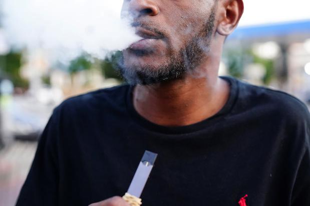 USA: relèvement de 18 à 21 ans l'âge légal pour acheter tabac et cigarettes électroniques