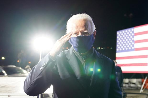 """Biden: la lutte entre la démocratie et l'autoritarisme atteint un """"moment crucial"""""""