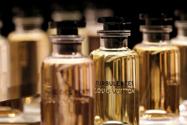 LVMH va fabriquer du gel hydroalcoolique dans ses usines françaises de parfums, pour les hôpitaux