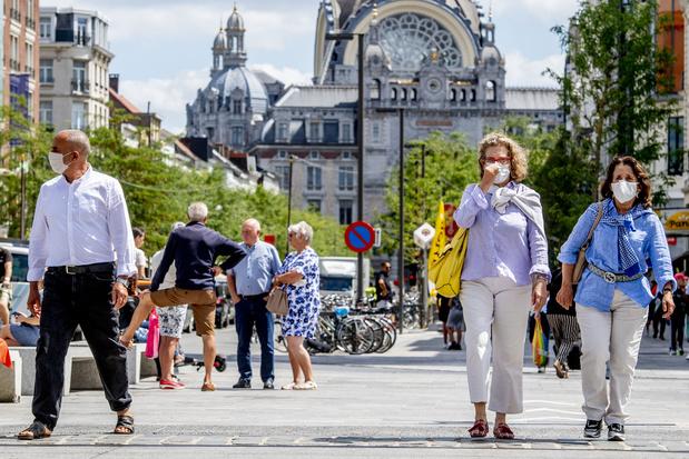 """Coronavirus: la situation """"pas aussi dramatique que lors de la première vague"""", augmentation soutenue à Bruxelles"""