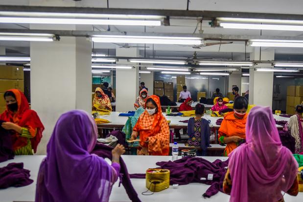 La deuxième industrie textile du monde se met à la mode du coronavirus