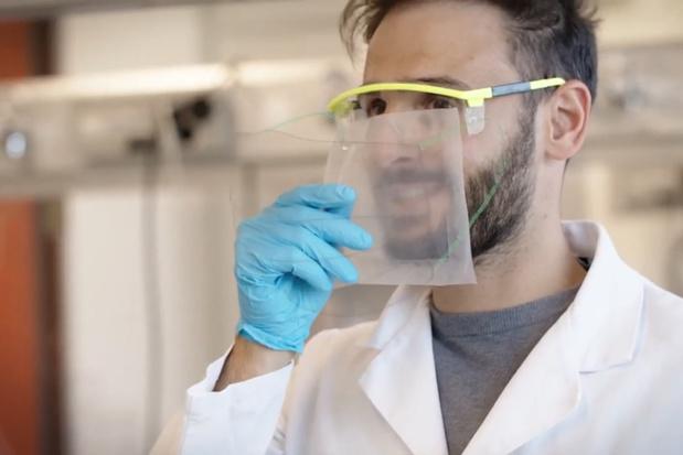 Une entreprise suisse développe un masque transparent et biodégradable (vidéo)