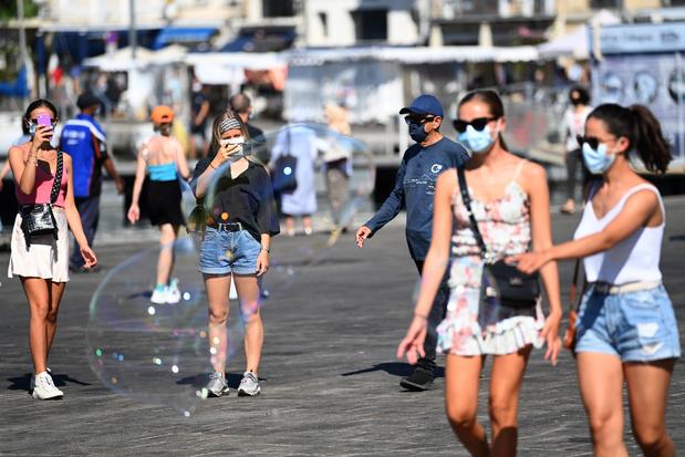 Coronavirus en France: plus de 16.000 nouveaux cas en 24h, un record