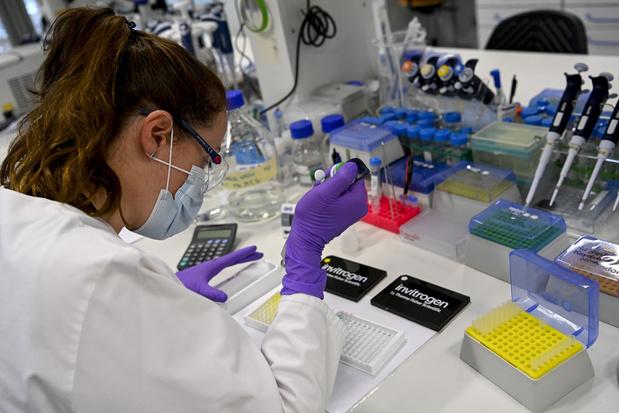 Crainte d'une deuxième vague en Europe, espoir prudent pour deux vaccins