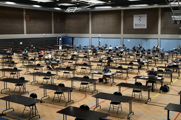 Le régulateur britannique va examiner de plus près l'algorithme d'examens