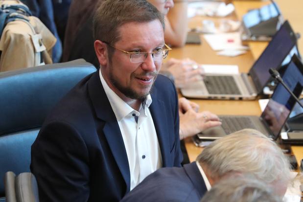 Le coronavirus s'invite dans le débat au Parlement de Wallonie