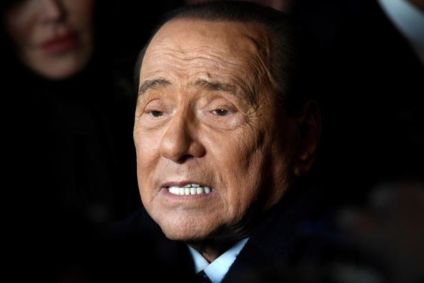 """Coronavirus: l'état de Silvio Berlusconi semble s'améliorer grâce à """"une forte réponse immunitaire"""""""