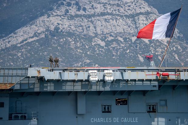 Coronavirus: près de la moitié de l'équipage du Charles de Gaulle et son escorte infectés