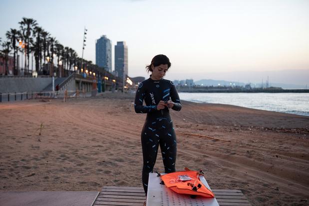 Barcelone rouvre ses plages pour nager et faire du sport