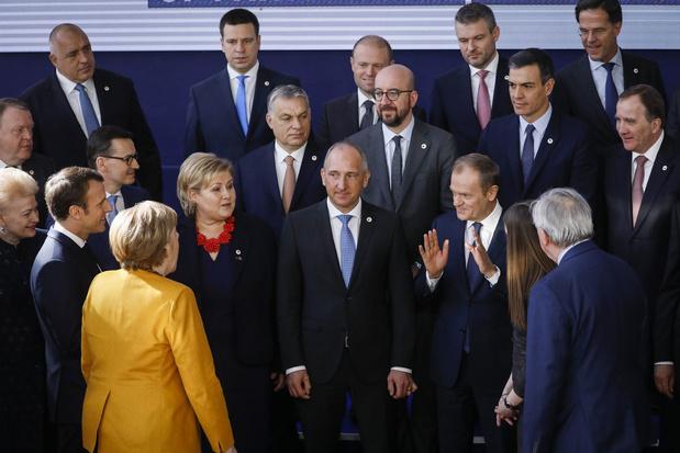 UE: Sommet des 27 chefs d'Etat, avec en jeu, des centaines de milliards d'euros et l'unité