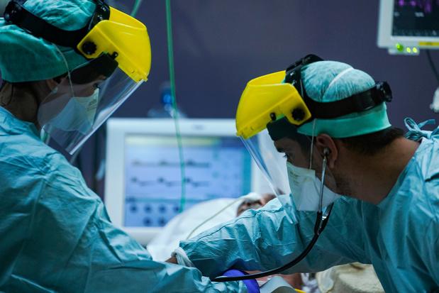 Le nombre de contaminations au covid-19 chez les travailleurs dans les hôpitaux fait objet d'une étude