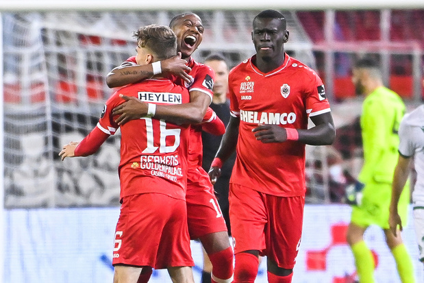 Europees voetbal: Antwerp en KAA Gent door naar groepsfase, Anderlecht verslikt zich in Vitesse