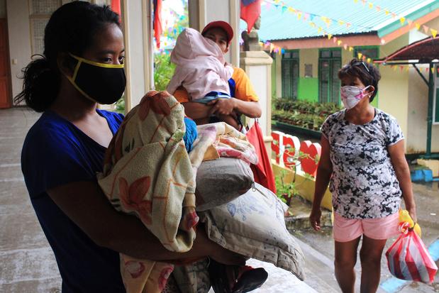Typhon aux Philippines: 140.000 personnes réfugiées dans des abris d'urgence