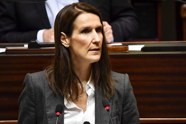 Sophie Wilmès va recevoir la confiance dans un hémicycle clairsemé