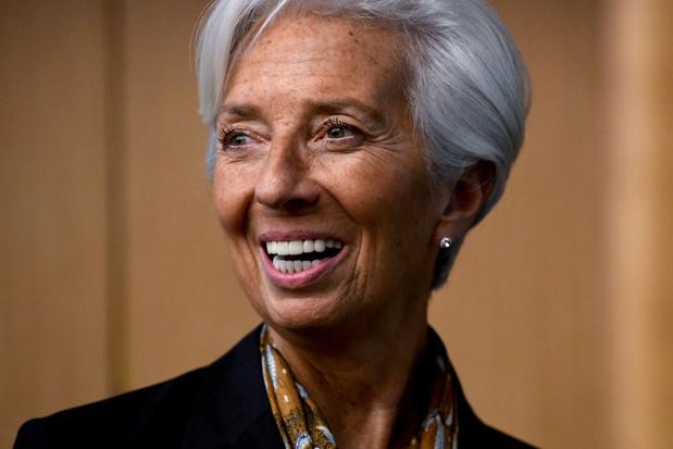 """Lagarde """"très honorée"""" d'avoir été choisie pour présider la BCE"""