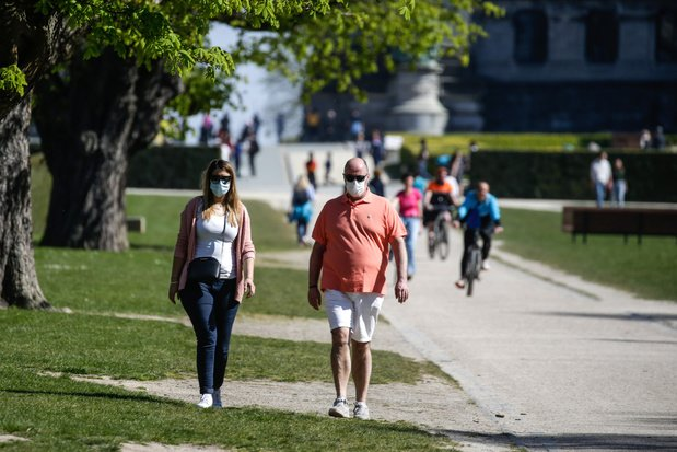 Malgré le beau temps, il est toujours interdit de se regrouper dans les parcs
