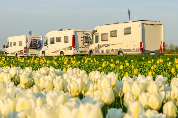 Un convoi de 110 camping-cars parti de Grèce va traverser l'Italie