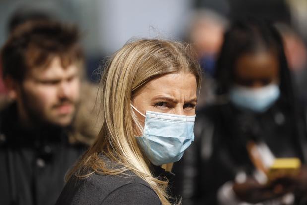 """Port du masque : """"Le gouvernement a raté le coche"""""""