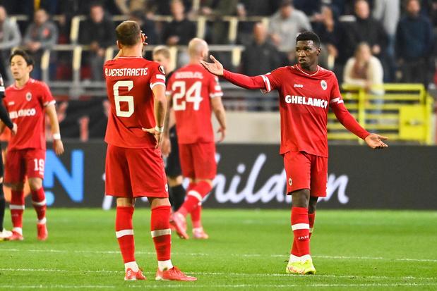 Antwerp: problemen op en vooral naast het veld