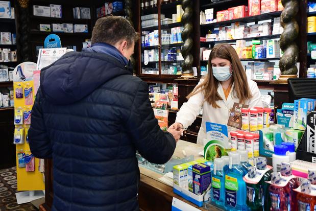 Le coronavirus se propage en Europe mais tue moins en Chine