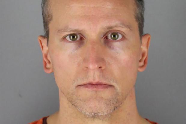 Une caution d'un million de dollars pour le policier accusé du meurtre de George Floyd