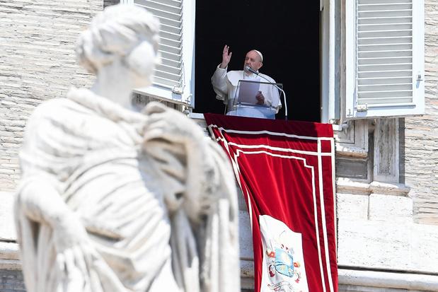 """Pour le pape François, le plaisir culinaire ou sexuel est """"simplement divin"""""""