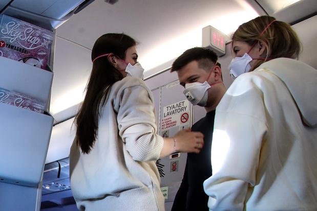 Port obligatoire du masque à bord des avions: les compagnies aériennes favorables