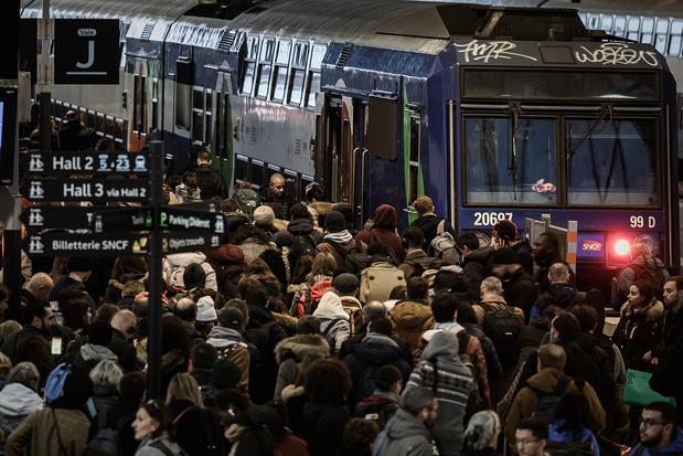 Grèves en France: l'espoir d'une trêve de Noël s'éloigne