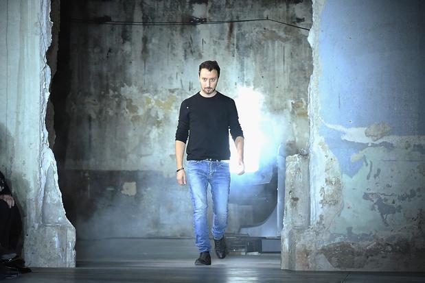 La maison Saint Laurent se retire de Fashion Week parisienne en 2020