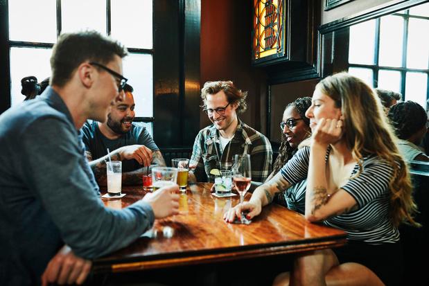 """La bulle sociale à cinq personnes, """"difficilement supportable"""" à long terme"""