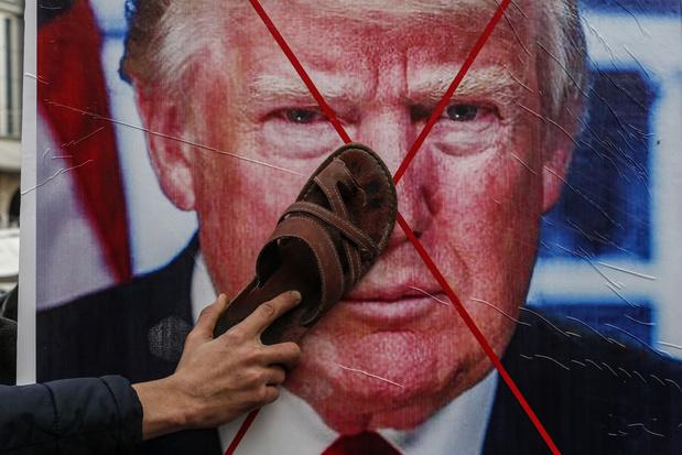 Trump dévoile un plan de paix très favorable à Israël — Proche-Orient