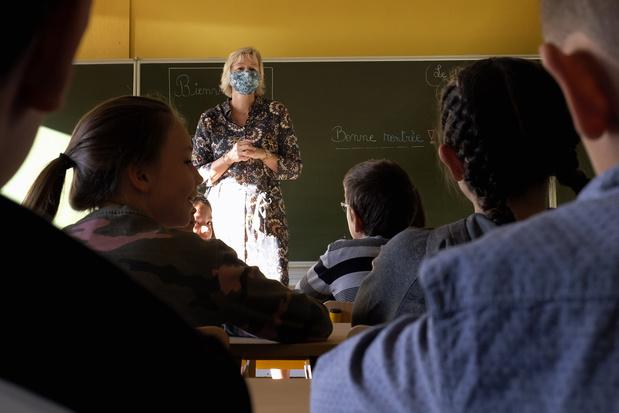Covid: Retour sur les bancs d'école en code rouge