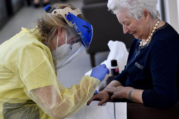 Coronavirus: les admissions à l'hôpital continuent de diminuer