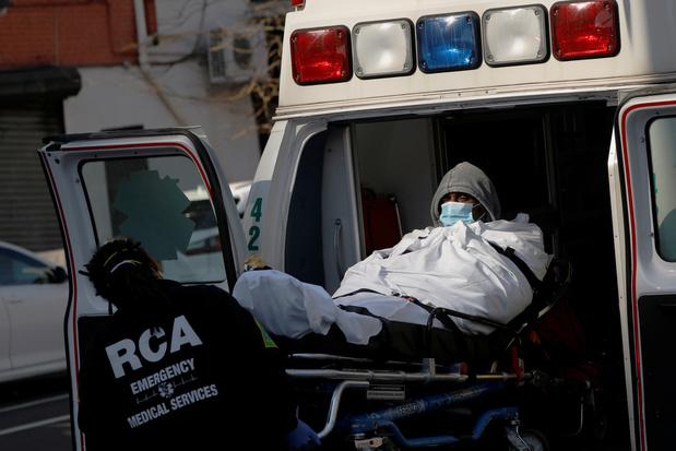 Coronavirus: 345 décès en 24h aux Etats-Unis, un record, et près de 18.000 nouveaux cas