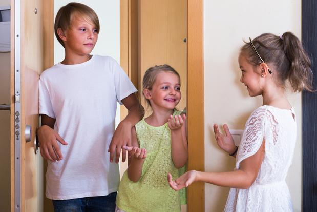 Coronavirus: s'organiser pour garder les enfants alternativement entre amis, une bonne idée?