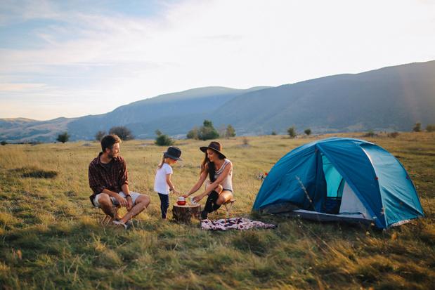 Camping: Comment trouver où planter sa tente gratuitement à travers toute la Belgique?