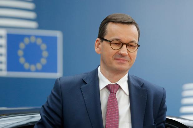 La Pologne menace de bloquer le budget de l'UE, dans un échange avec Merkel