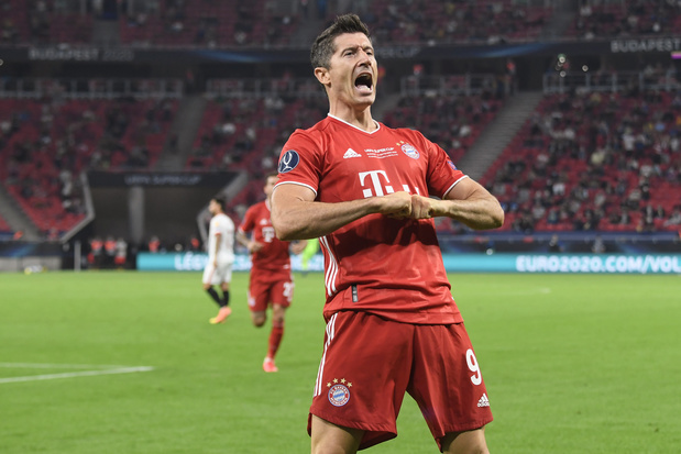 Lewandowski est élu Joueur UEFA de l'année au détriment de Kevin De Bruyne et Neuer