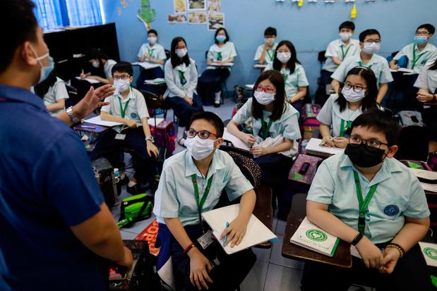 """""""Beaucoup trop tôt"""" pour prédire une fin de l'épidémie de coronavirus"""