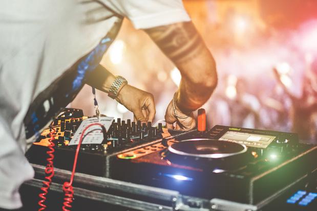 DJ en ligne pour clubbers confinés